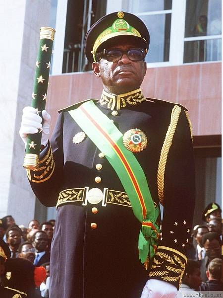 Photo of Zaire dictator Mobutu in military uniform